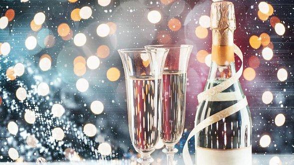 Новогодняя ночь с ужином и развлекательной программой на премиум теплоходе РИО-4